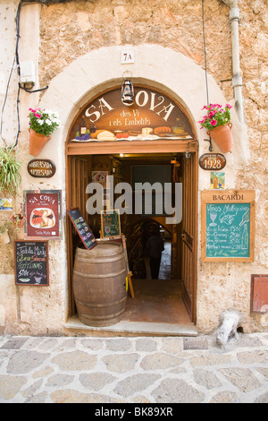 Shop in Valldemossa, Tramuntana Mountains, Mediterranean Sea, Mallorca, Majorca, Balearic Islands, Spain, Europe - Stock Photo