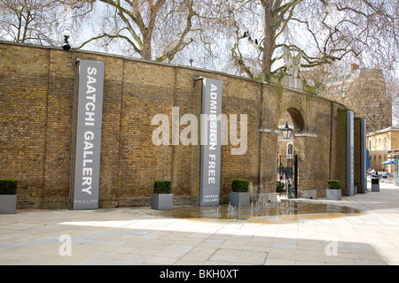 Saatchi Gallery off Duke York Square on Kings Road Chelsea - Stock Photo