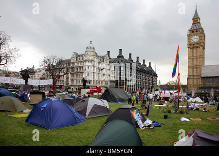 Campaigners set up peace camp in London's Parliament Square - Stock Photo