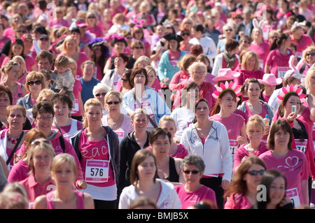 Women taking part in the annual cancer research charity fund raising RACE FOR LIFE ABERYSTWYTH MAY 16 2010 - Stock Photo