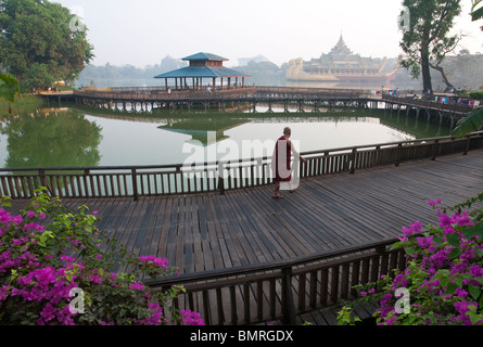 Myanmar. burma. yangon. Kandawgyi lake is a natural lake near the Shwedagon paya. It includes the Karaweik - Stock Photo