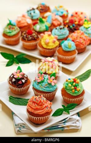 Assorted cupcakes Step by step: PGGJR6-PGGJRD-PGGJRW-PGGJTD - Stock Photo