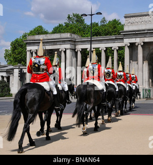 Hyde Park Corner The Household Cavalry Mounted Regiment returning from changing guard duty - Stock Photo