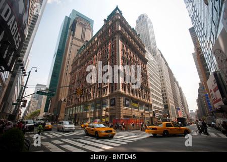 The former Knickerbocker Hotel, aka 1466 Broadway, in New York - Stock Photo