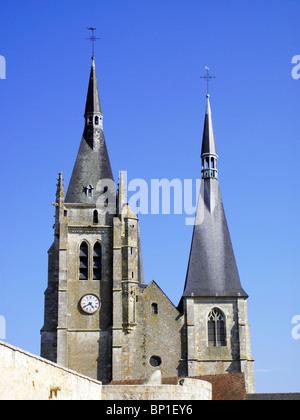 France, Paris region, Essonne, Dourdan, St Germain d'Auxerre castle - Stock Photo