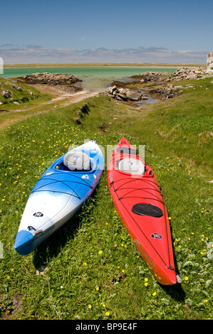 Ready for a day's paddling round the Isle of Berneray, Outer Hebrides, Western Isles. Scotland. SCO 6351 - Stock Photo