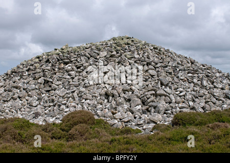 Barpa Langais ancient burial cairn on the Isle of North Uist, near Lochmaddy   SCO 6450 - Stock Photo