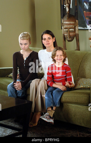JORDAN HINSON ANGIE HARMON & BOBBY COLEMAN THE GOOD MOTHER; GLASS HOUSES: THE GOOD MOTHER (2006) - Stock Photo