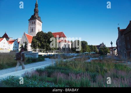 Public park in front of Niguliste Church, Tallinn, Estonia, Baltic States, Europe - Stock Photo