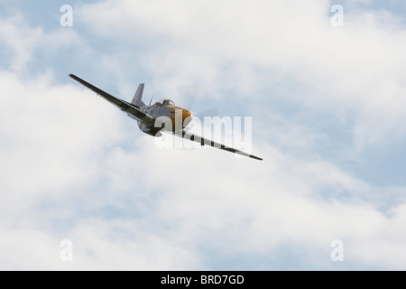 P51D Mustang Ferocious Frankie flying at Goodwood - Stock Photo