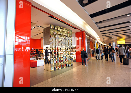Duty free shopping at Heathrow Terminal 5 the kurt Geiger store - Stock Photo