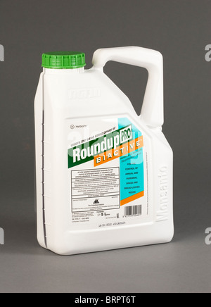 Roundup ProBiactive weedkiller made by Monsanto - Stock Photo