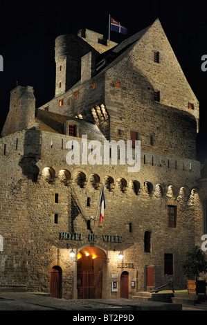 The château of Saint-Malo at night, now the town museum and city hall, Brittany, France - Stock Photo