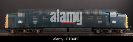 Class 55 Deltic Diesel Locomotive, Royal Highland Fusilier, BR Blue Livery - Stock Photo