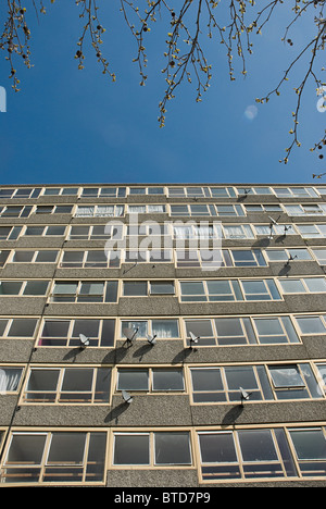 Tower block of Heygate Estate, South London - Stock Photo