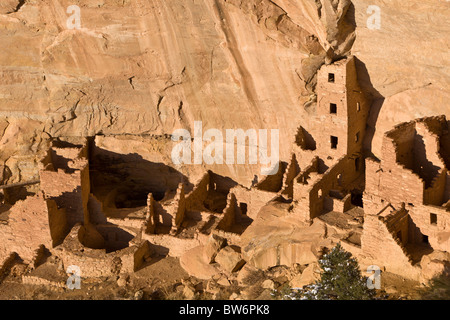 Square Tower House cliff dwellings in Mesa Verde National Park, Colorado, USA. - Stock Photo