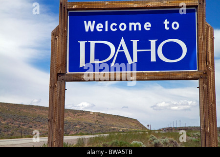 Welcome to Idaho road sign on U.S. Route 93 at Jackpot, Nevada, USA. - Stock Photo