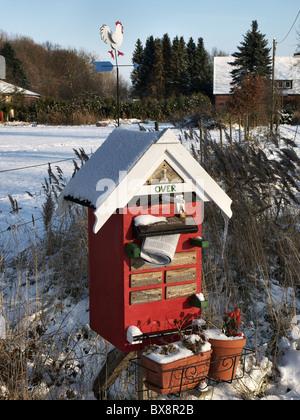 Funny mailbox at a farm in Barum, Elbmarsch, Niedersachsen, Germany. - Stock Photo