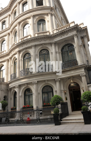 Les Ambassadeurs Club,an exclusive private members club situated in Hamilton Place near Hyde Park Corner. - Stock Photo