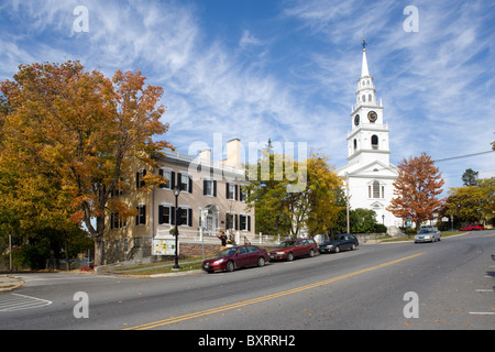 Vermont, Middlebury, Green Mountains, View of cars on main street and church in background - Stock Photo