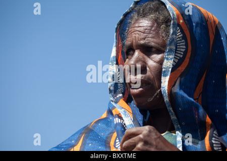 Elderly Fulani woman in the seasonal village of Bantagiri in northern Burkina Faso. The Fulani are nomadic pastoralists. - Stock Photo