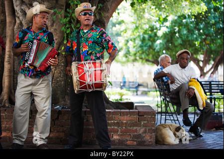 The Caribbean, Dominican Republic, Santo Domingo, Zona Colonia colonial district, street performers - Stock Photo