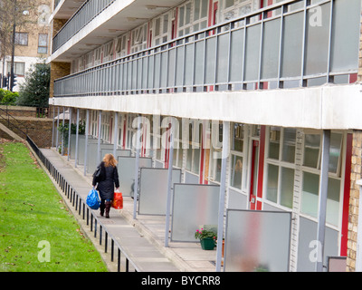 Whitely House, Churchill Gardens Estate - run by City of Westminster Council - London SW1 - Stock Photo