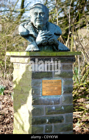 Statue (Bust) of Sir Peter Scott, founder of the Wildfowl Trust - Stock Photo