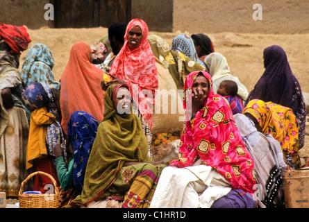 Women in khat market, Aweday (Dire Dawa-Harar), Ethiopia - Stock Photo