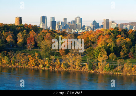 Canada, Quebec, Montreal, the city in autumn from the Jean Drapeau Park and the river banks of the Saint-Lawrence - Stock Photo