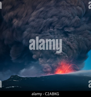 Ash plume with lava from Eyjafjallajokull Volcanic Eruption, April 2010, Iceland - Stock Photo