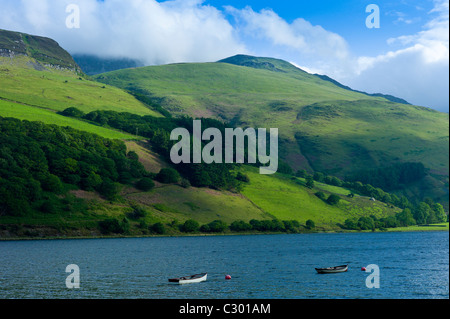 Fishing boats on Lake Tal-Y-LLyn, Snowdonia, Gwynned, Wales - Stock Photo