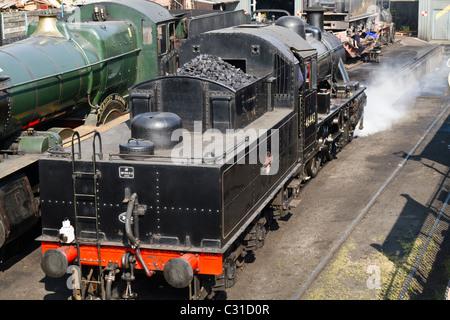 Steam train on the Severn Valley Railway line in Bridgenorth - Stock Photo