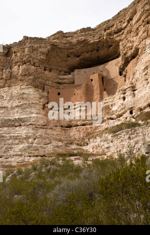 Montezuma Castle, a 20 room five story cliff dwelling built by the prehistoric Sinagua Indians in 1150 CE, Arizona, - Stock Photo