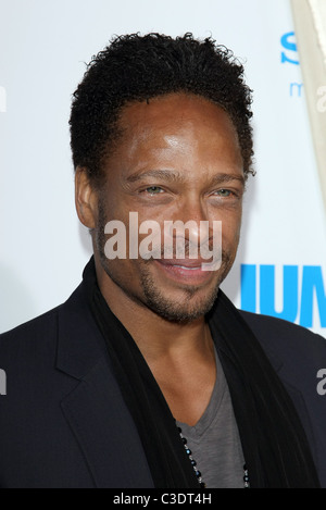 GARY DOURDAN JUMPING THE BROOM. LOS ANGELES PREMIERE TRISTAR PICTURES HOLLYWOOD LOS ANGELES CALIFORNIA USA 04 May - Stock Photo