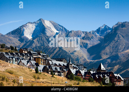 Spain, Europe, Aragon, Huesca, Pyrenees, El Formigal, winter sports place - Stock Photo