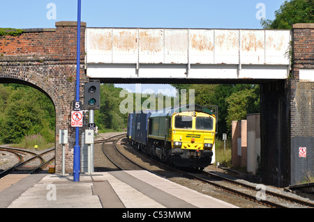 Freightliner train approaching Hatton station, Warwickshire, England, UK - Stock Photo