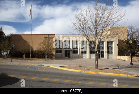 The Los Alamos, New Mexico United States Post Office designed by Willard C. Kruger and was built by the Robert E. - Stock Photo