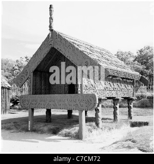 New Zealand, 1950s. Historical view of a traditional Maori hut preserved at a national park. - Stock Photo