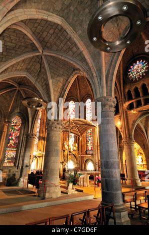 Spain, St. James Way: Interior of the pilgrim´s church La Colegiata Santa Maria la Real in Roncesvalles - Stock Photo