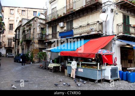 Traditional stall at Ballarò, old market in Palermo, Sicily, Sicilia, Italy - Stock Photo