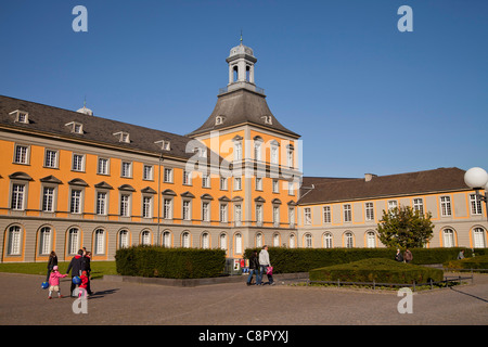 Hofgarten (Court Garden) with Kurfuerstliches Schloss, main building of the University of Bonn, Germany - Stock Photo