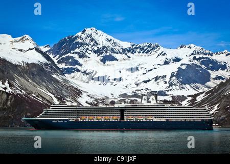 Holland America cruise ship sailing to Johns Hopkins Glacier, Glacier Bay National Park, Alaska - Stock Photo