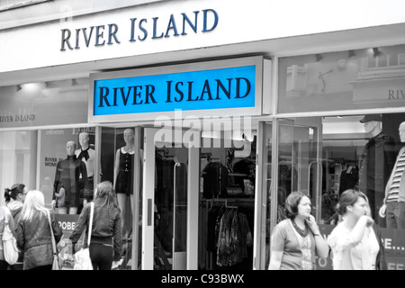 River Island high street retail shop selling brand clothes that are in with the current fashion trends. - Stock Photo