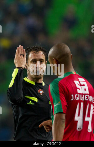 Portugal Cup Quarter final - Sporting CP (SCP) x SC Maritimo (SCM)  referee and Joao Guilherme CS Maritimo Defender - Stock Photo