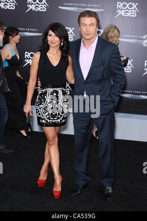 HILARIA THOMAS & ALEC BALDWIN ROCK OF AGES. WORLD PREMIERE HOLLYWOOD LOS ANGELES CALIFORNIA USA 08 June 2012 - Stock Photo
