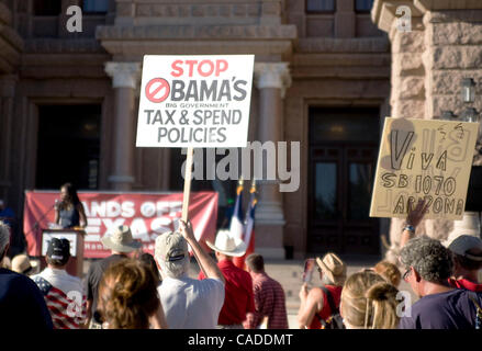 Aug 09, 2010 - Austin, Texas, U.S - Tea Party members gather at State Capitol to protest President Obama during - Stock Photo