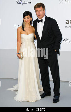 Alec Baldwin (actor) and girlfriend Hilaria Thomas at arrivals for the amfAR Cinema against AIDS charity auction - Stock Photo