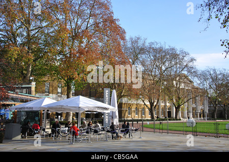 Saatchi Gallery, Kings Road, Chelsea, Royal Borough of Kensington and Chelsea, London, Greater London, England, - Stock Photo