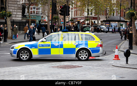 A Metropolitan police vehicle blocking a road during the Public Sector Strikes (the unions), London, 2011, England, - Stock Photo